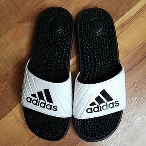 Adidas Women's black white sandals size 8 Bin7